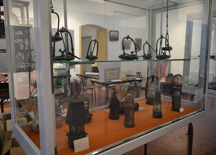 Démonstration De Lampes De Mine à Villars