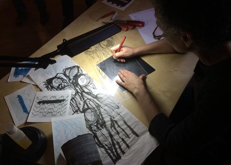 Démonstration De Techniques De Gravure Au Musée De L'imprimerie à Lyon
