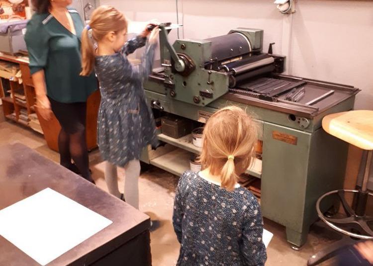 Démonstration De Typographie à L'atelier Du Musée De L'imprimerie à Lyon