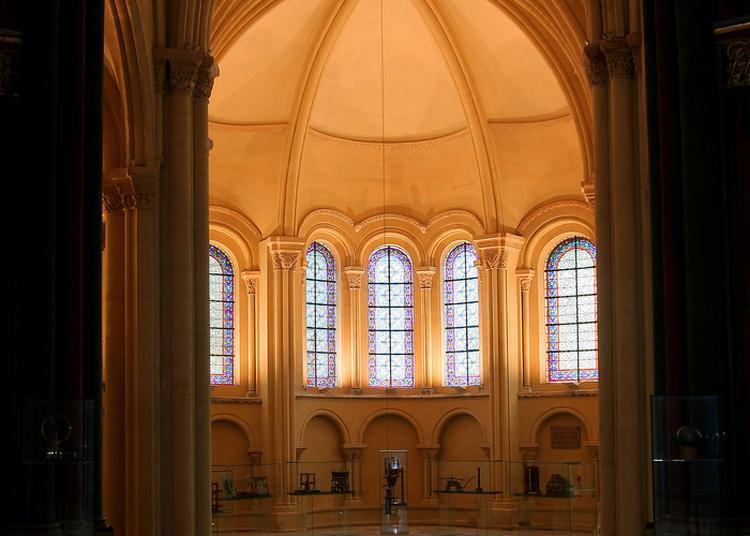 Démonstration: Le Pendule De Foucault à Paris 3ème