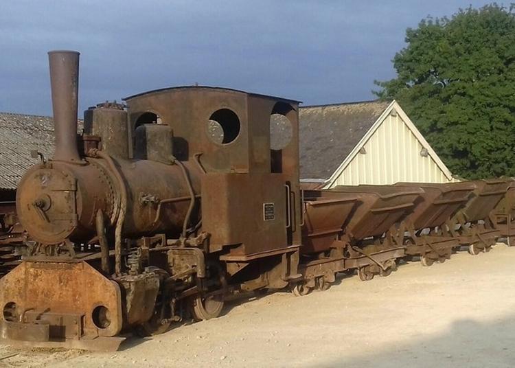Dépôt Ferroviaire De La Pinelière à Saint Germain d'Arce