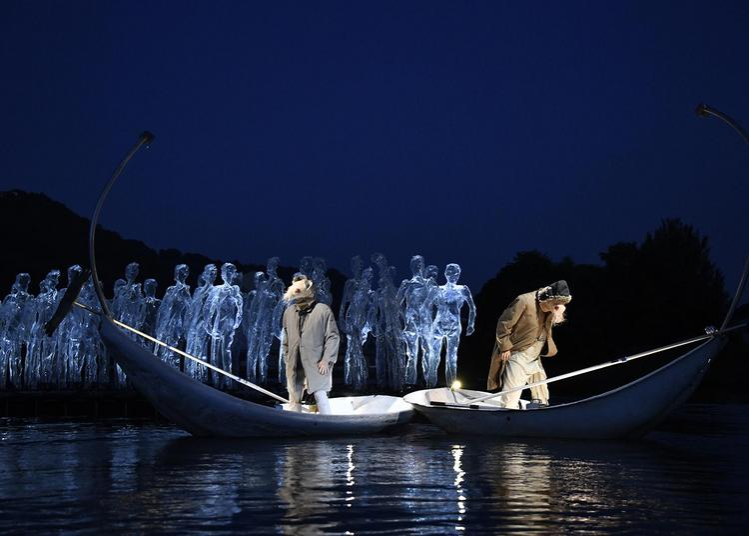 DéRIVES, spectacle fluvial porté par le courant à Arles