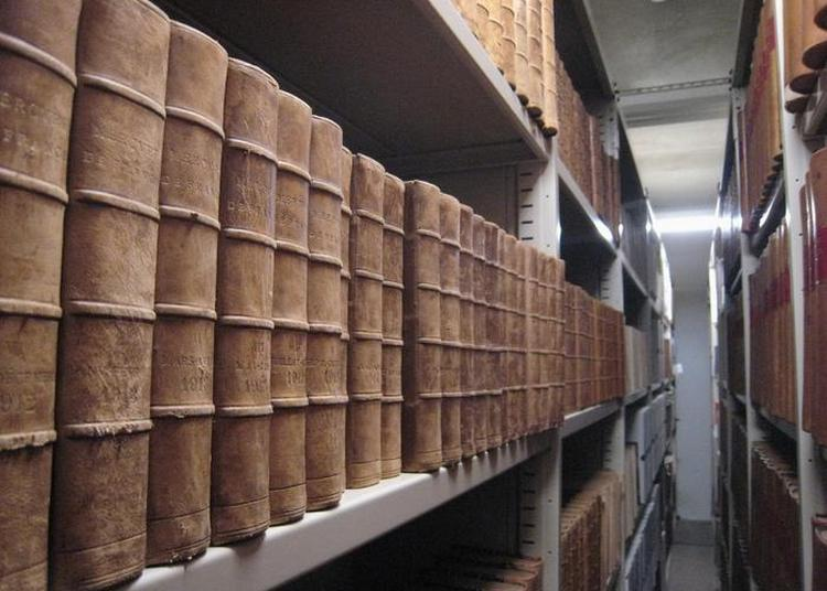 Derrière Les Murs...les Coulisses De La Médiathèque à Chambery