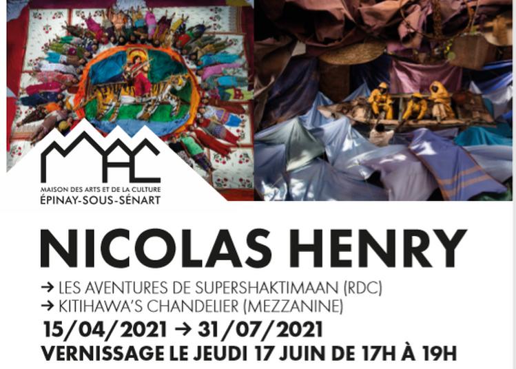 Double Exposition Les Aventures De Supershaktimaan Et Kitihawa's Chandelier à Epinay Sous Senart
