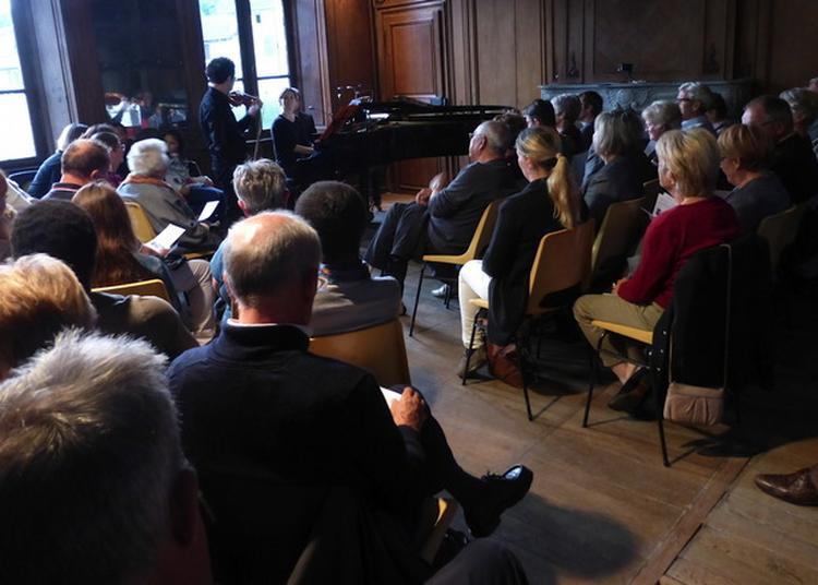 Duo Hautbois Et Piano Dans Le Salon Du Logis Seigneurial Xviiie à Lisle en Rigault