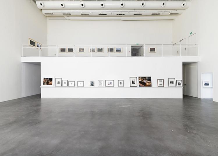 Échanges Avec L'artiste Julien Carreyn Dans L'exposition Véronique à Angouleme