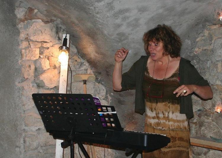 Echauffement à la fête de la musique avec Vocal Mic Mac à Verniolle