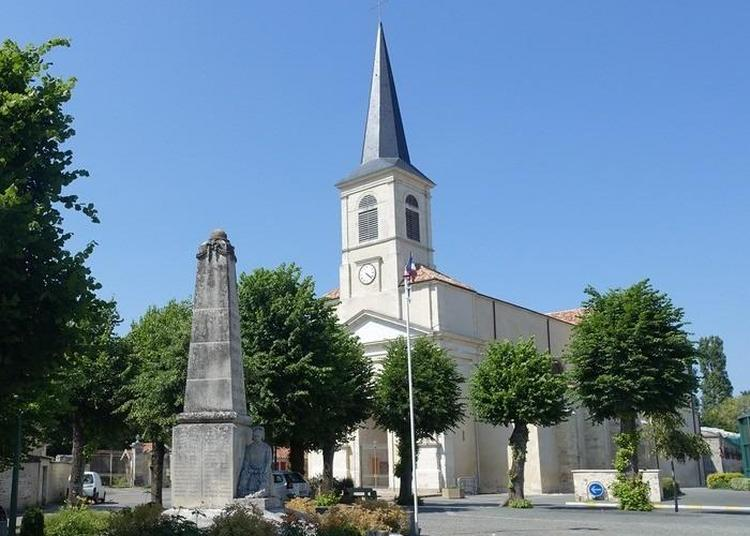 Eglise Notre Dame. à Sainte Hermine