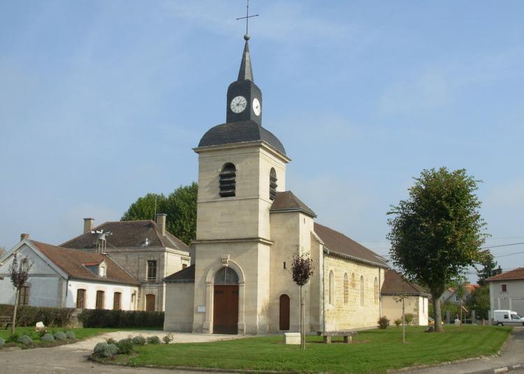 Eglise Saint-pierre à Valcourt