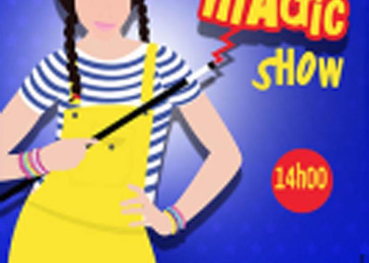 Emmy Fait Son Magic Show à Avignon