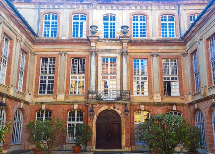 Entre Cours Et Jardins, Regards Sur Les Hôtels Particuliers à Toulouse