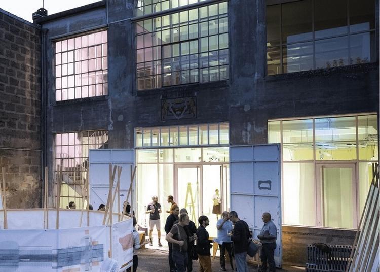 Entrez Dans Un Transformateur électrique Complètement Réhabilité Où L'architecture Est Mise à L'honneur à Bordeaux