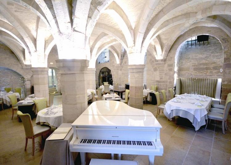Et Si Vous Veniez Déjeuner Sous Les Voûtes ! à Dijon