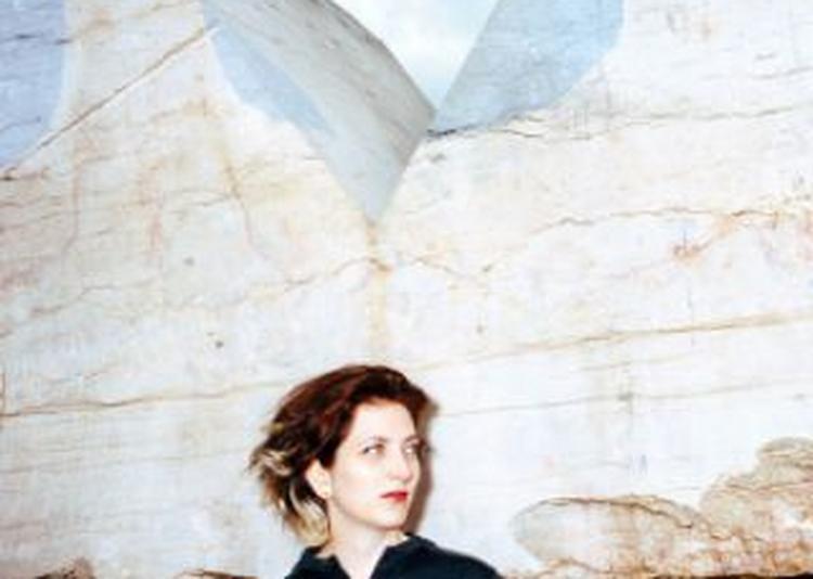 Eve Risser + Journal Intime Lips On Fire Ii à Paris 18ème