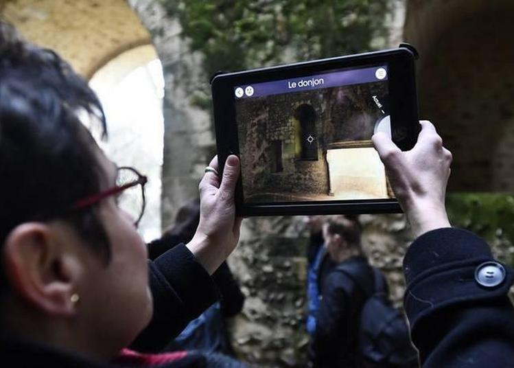 Évolution Architecturale Du Château Avec La Tablette Numérique Et La Réalité Virtuelle Augmentée à Nogent le Rotrou