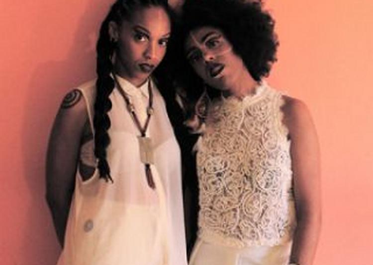 #exclusivité Celia Wa & Manzel Swaany à Paris 1er