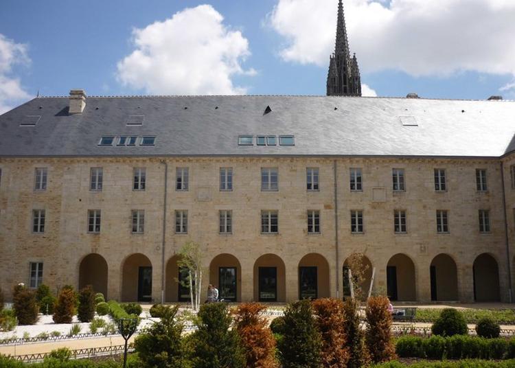 Explorez La Médiathèque Des Ursulines Et Ses Trésors ! à Quimper