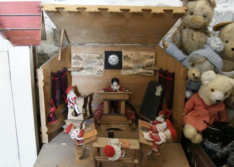 Exposition 2500 poupées, maisons de poupées, jouet à Lezan
