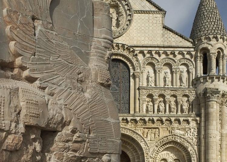 Exposition à La Cathédrale De Poitiers