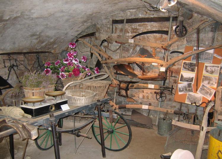 Exposition D'outils Et D'objets D'autrefois à Sathonay Village