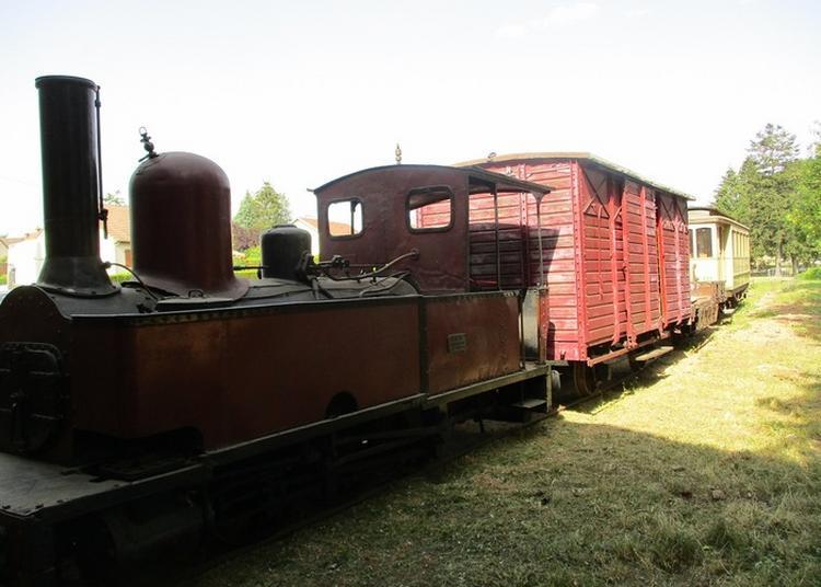 Exposition De La Locomotive à Vapeur « Lucienne » Ex « Le Rhône » à Thizy