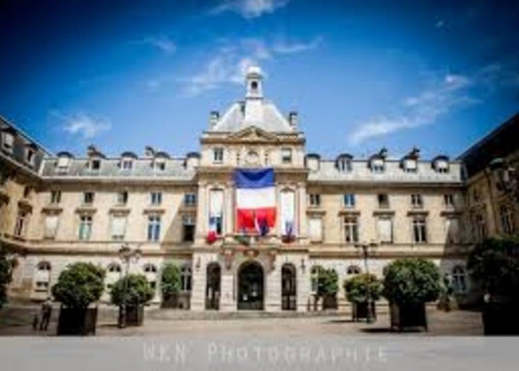 Exposition De La Société Historique Et Archéologique Du 15e Arrondissement - Visite Libre De La Salle Des Mariages Et De La Salle Des Fêtes à Paris 15ème