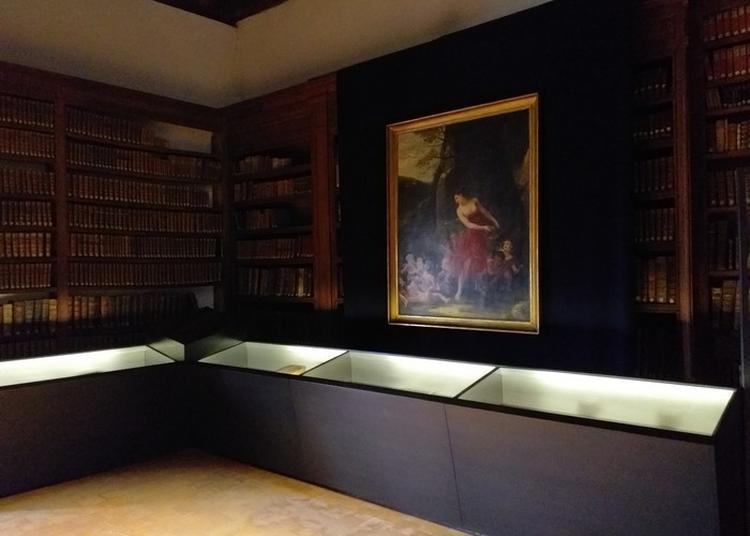 Exposition De Reliures Anciennes à Cluny