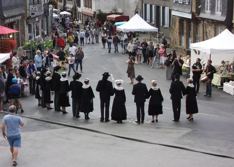 Exposition Des Costumes Bretons Traditionnels à Le Faou