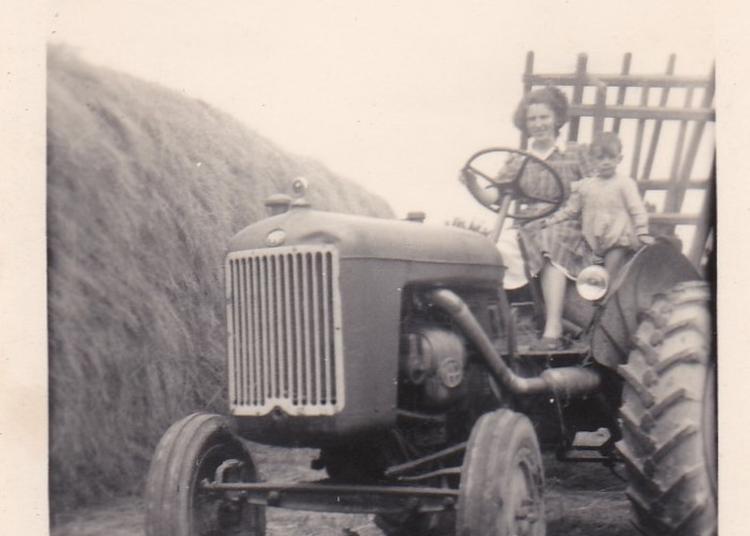 Exposition : Matériels Agricoles, Voitures Anciennes, Vieilles Motos : De Quoi Revivre  Les Années 1950. à Bouvron