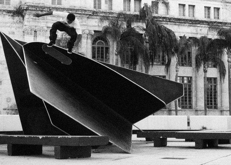 Exposition Raphael Zarka Riding Modern Art à Pessac