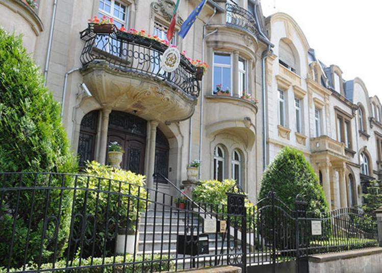 Exposition Sur L'architecture Extérieure Et Le Jardin Du Consulat à Metz