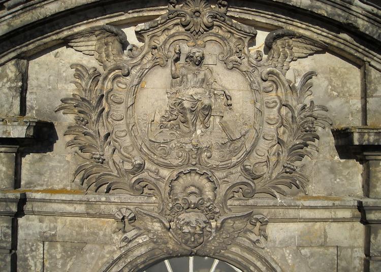 Exposition Sur L'hôtel-dieu à Chateaudun