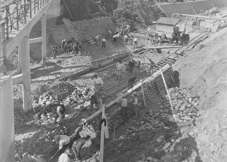 Exposition Sur La Construction D'une Complexe Hydroélectrique à Saint Gaudens