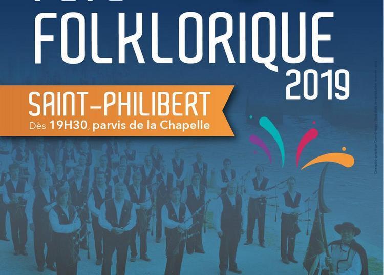 Fête folklorique et feu d'artifice à Saint Philibert