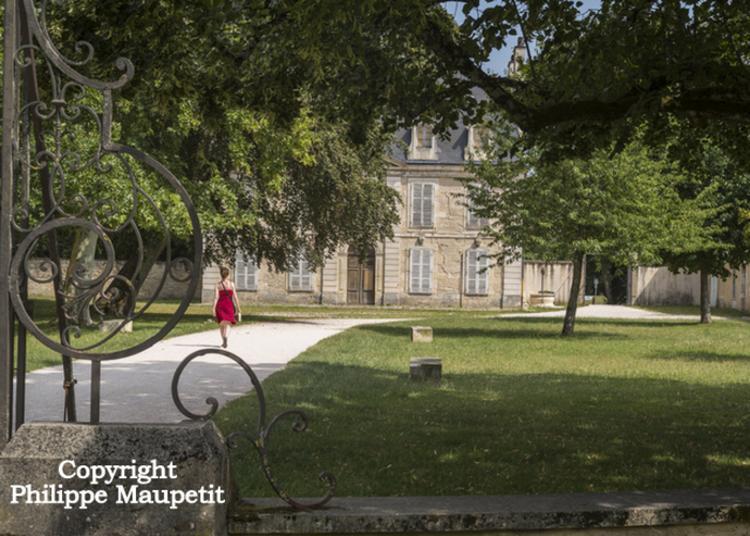 Flâneries Au Château De Pouilly à Dijon