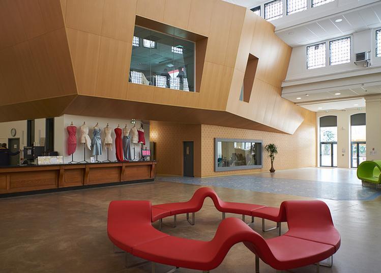 Flash Mode Sur Esmod - Parcours Commenté En Compagnie De L'architecte Et D'historiens De L'architecture à Pantin