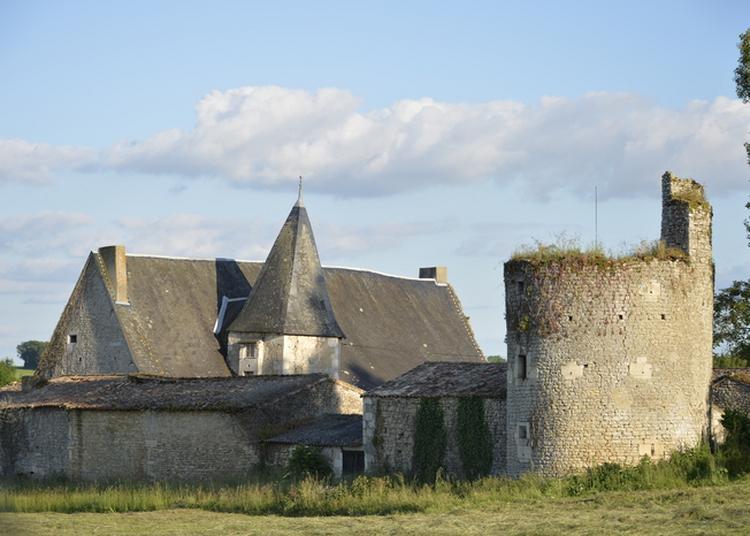 Fonvérines Autrefois : Balade à La Découverte De Son Château à Azay le Brule