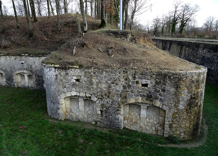 Fort De Bruyères-et-montbérault à Bruyeres et Montberault