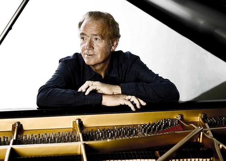Francois-Joel Thiollier, Piano à Paris 8ème