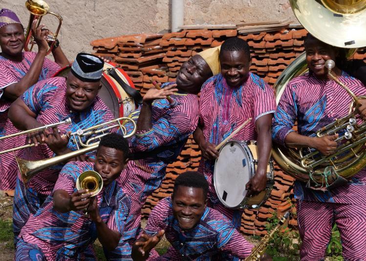 Gangbé Brass Band (Bénin) Fanfare Cuivrée, percussion et polyphonie à Lautrec