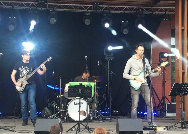 Groupe Rock In The Fog Suivi De Sunset Road Et Croozers à Carquefou