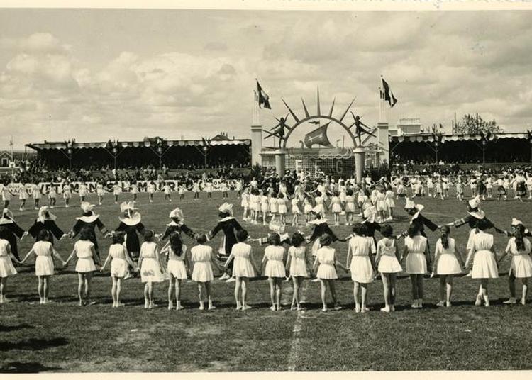 Histoire De Don, L'exemple De La Maquette Du Stade Du Plessis à Saint Nazaire