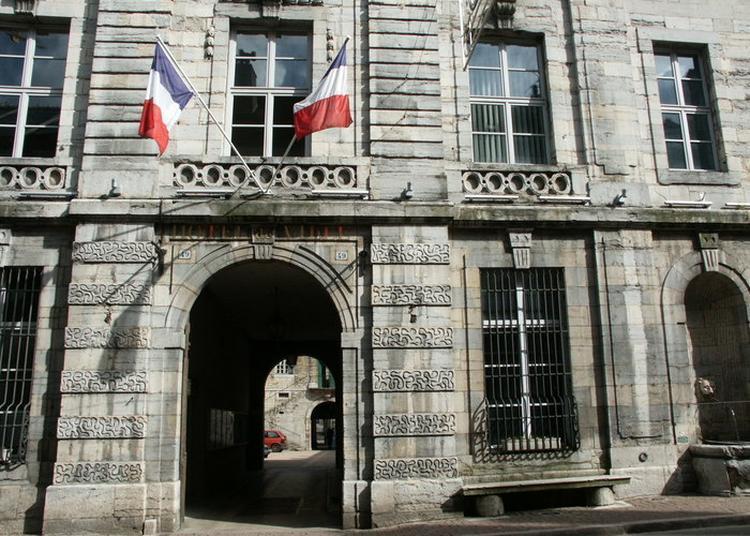 Hôtel De Ville De Poligny Et Anciennes Prisons