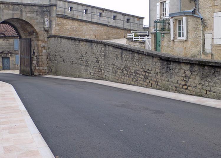 Inauguration Des Travaux De La Porte De L'hôtel De Ville à Langres