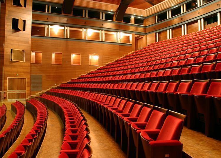 Jeu De Piste Au Théâtre Des Salins à Martigues