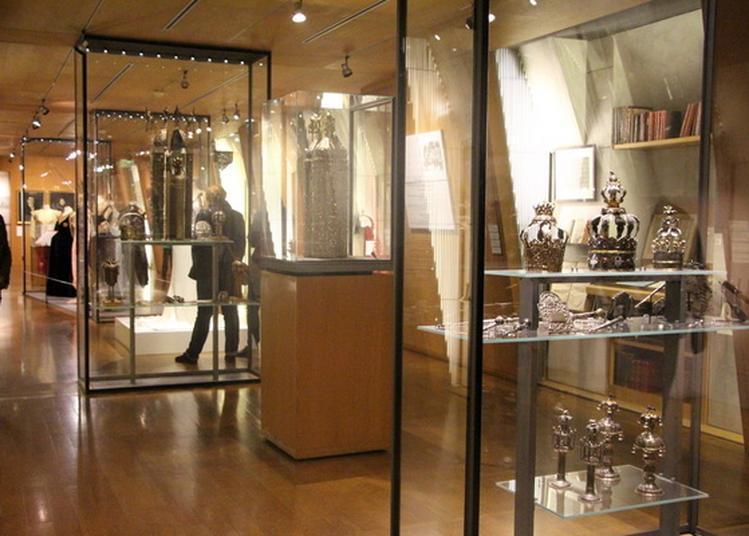 Jeu De Piste Dans La Collection à Paris 4ème
