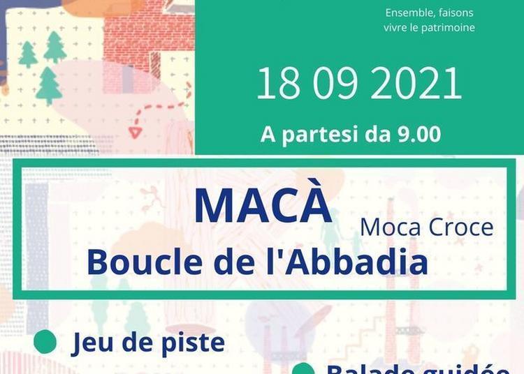 Jeu De Pistes Sur Le Sentier De La Boucle De L'abbadia à Macà à Moca Croce