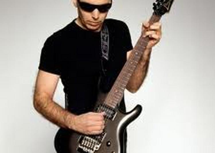 Joe Satriani à Chenove