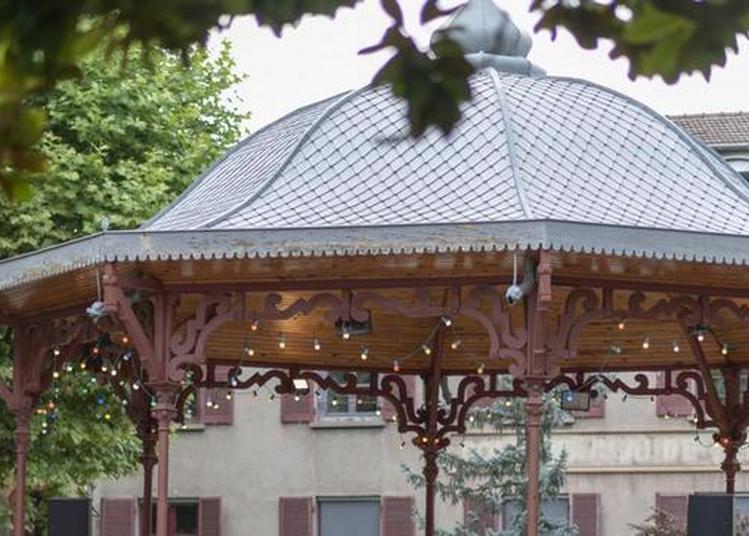 Kiosque A Lire : Bibliothèque En Plein Air à Saint Chamond