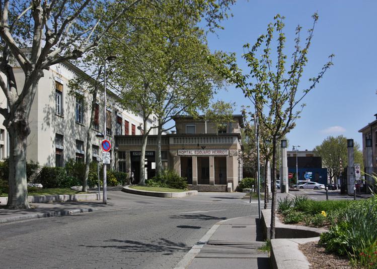 L'hôpital Selon Tony Garnier à Lyon